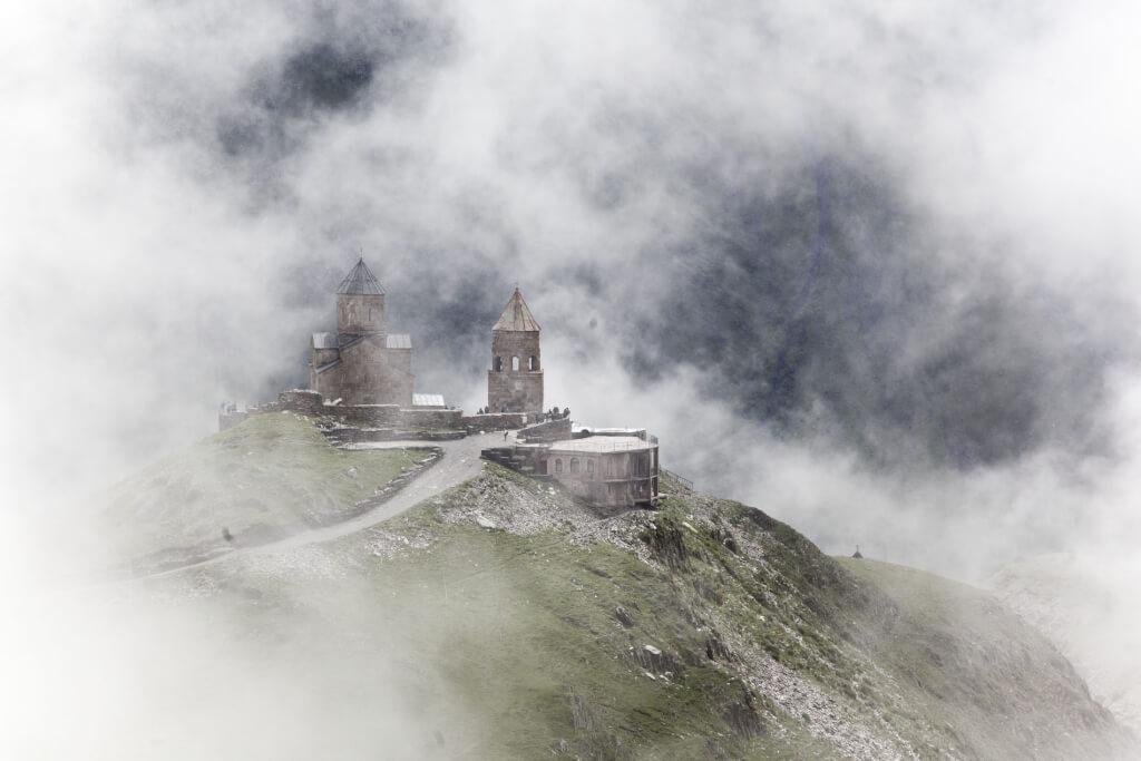 Kazbegi - kostel Nejsvětější Trojce