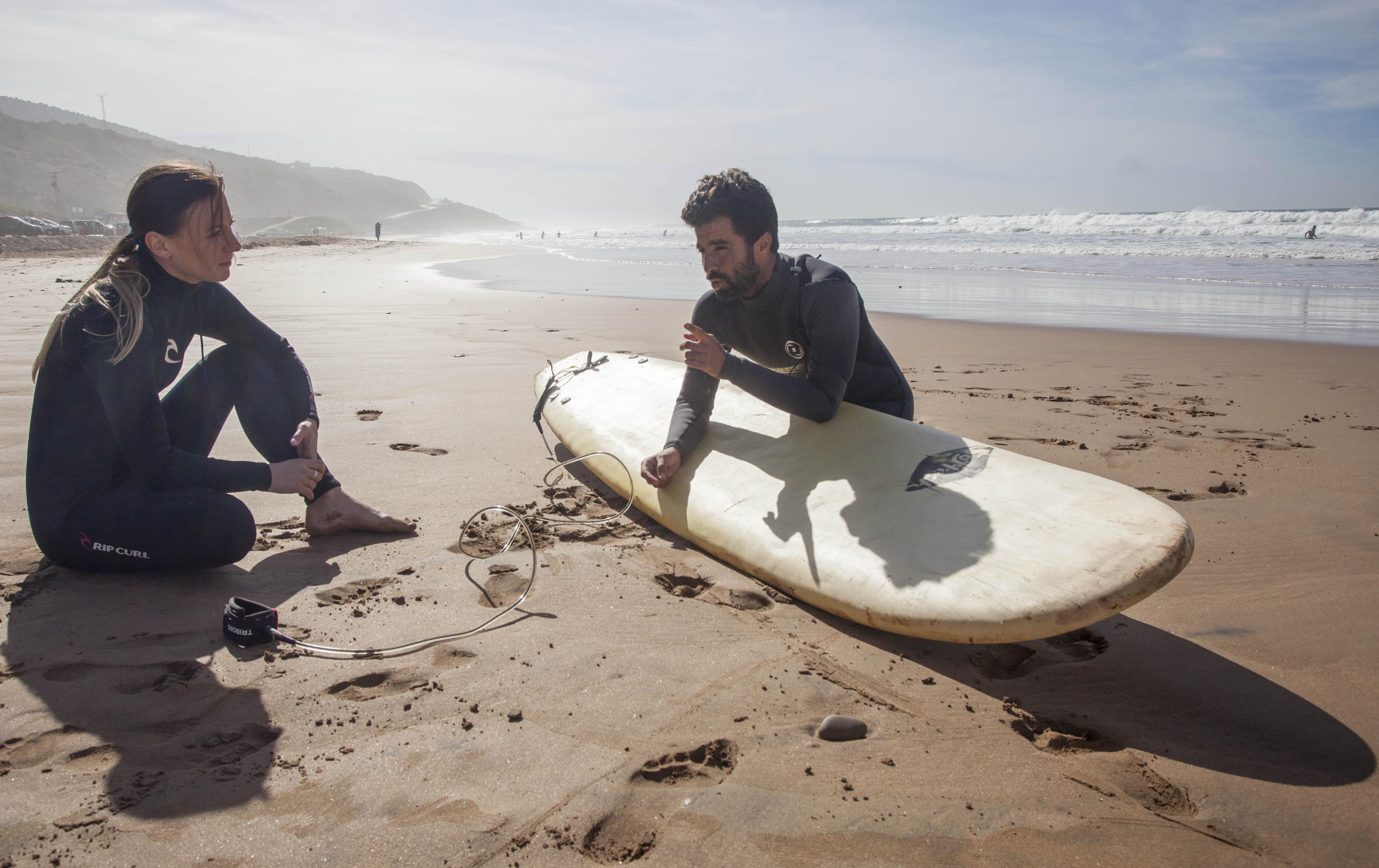 Surfování v Maroku - Surfař